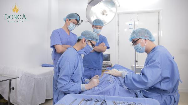 Công nghệ nâng mũi Dr Park được các bác sĩ Đông Á tiếp nhận thành công và trực tiếp thực hiện